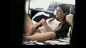 Матери лесбияночки учат падчериц куни и ануслину и лижут их пизды