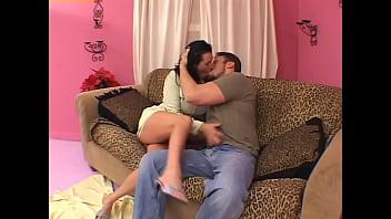 Полная мать попросила знакомого на разовый секс в вульву на кровати